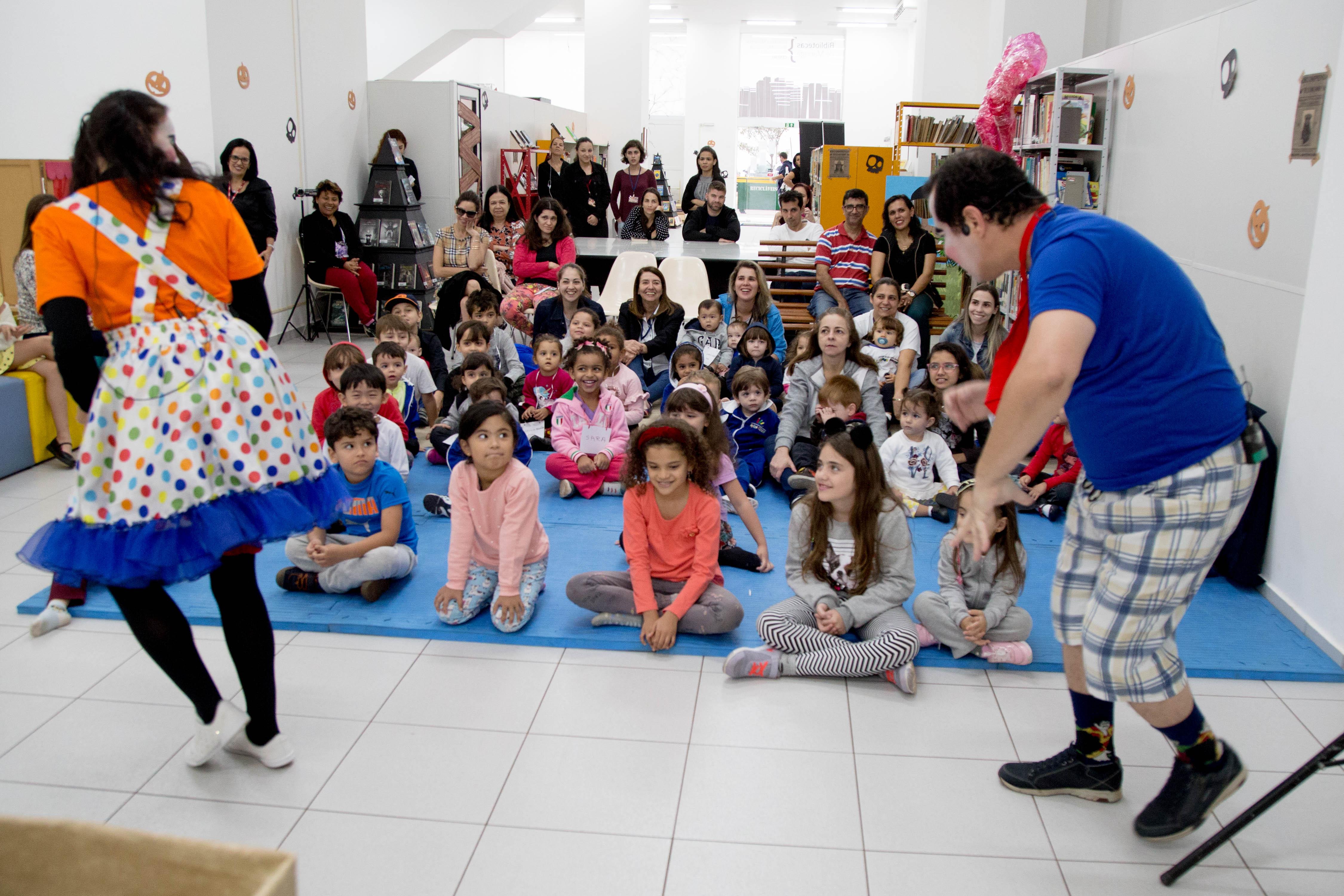 Na segunda, 15, a Biblioteca Centro recebeu a companhia ASE Cultural, com a peça de teatro 'Meu Cachorrinho Invisível'. Foto: Aldemir de Morais/PMM