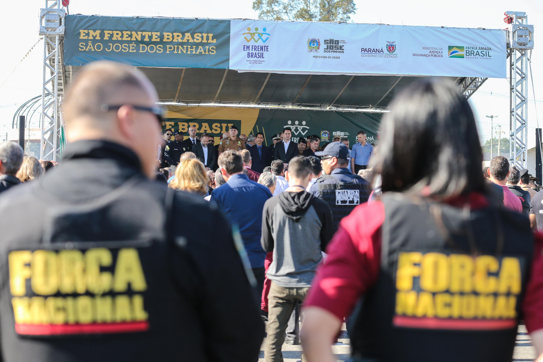 Os policiais vão atuar em São José dos Pinhais por 120 dias em cinco grandes áreas da cidade que reúnem pelo menos 15 bairros.