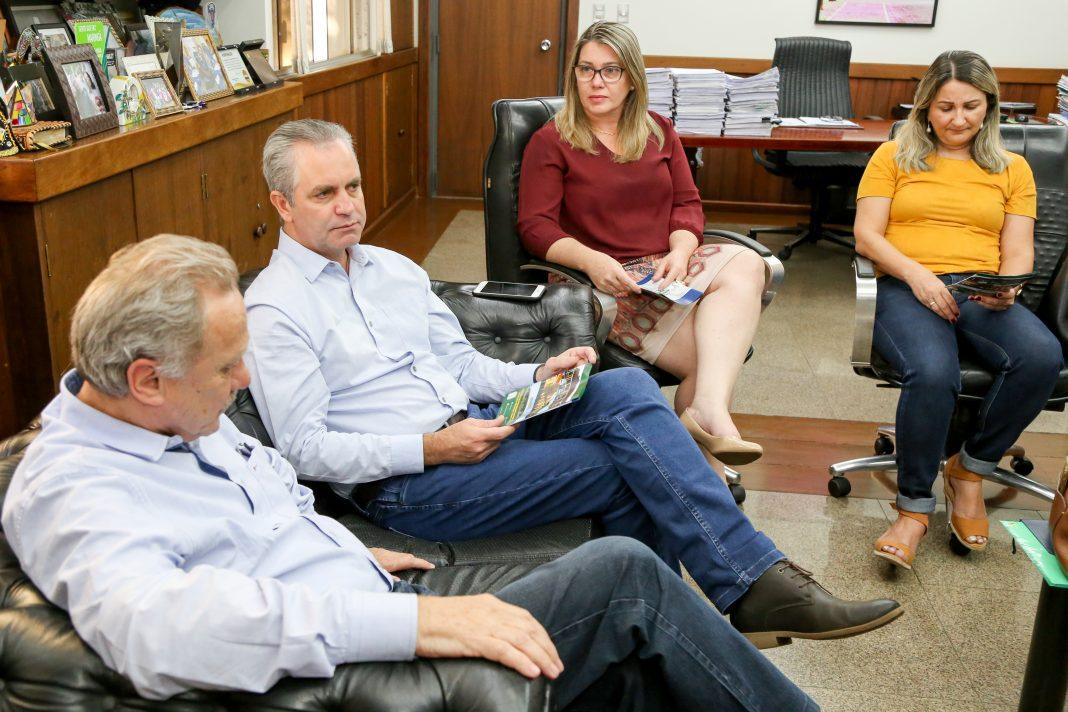 Durante a conversa, o prefeito recebeu elogios referente a parceria com a administração. Foto: Aldemir de Moraes/PMM