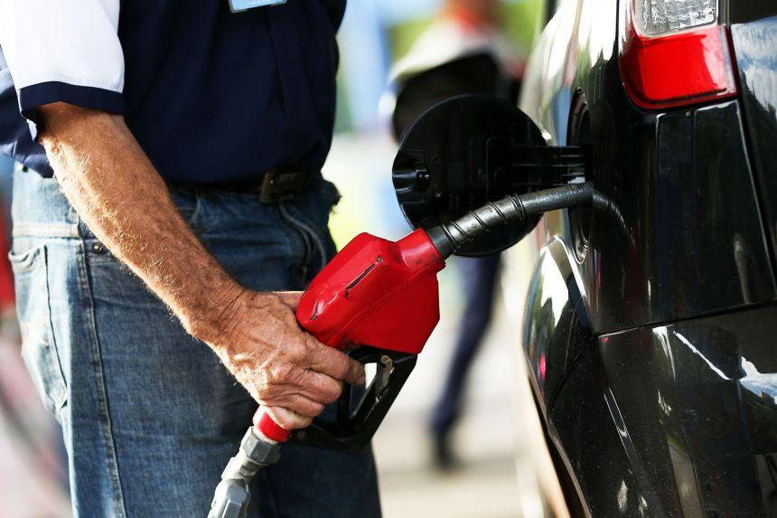 Ao todo, 25 estabelecimentos foram consultados. Entre os combustíveis, o Diesel S-10 foi o que apresentou maior variação - 16,04%, com menor preço encontrado a R$ 3,18 e o maior a R$ 3,69