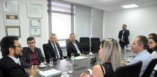 A Fomento Paraná a Assespro assinaram contrato de prestação de serviços que credencia a entidade para atuar como correspondente na viabilização de financiamentos para empresas associadas à entidade em todo o Estado.