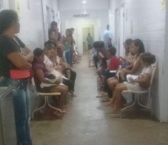 Segundo a prefeitura, a maior parte das crianças atendidas nesta segunda-feira (9) foi classificada com a ficha verde que tem tempo de espera de até duas horas.