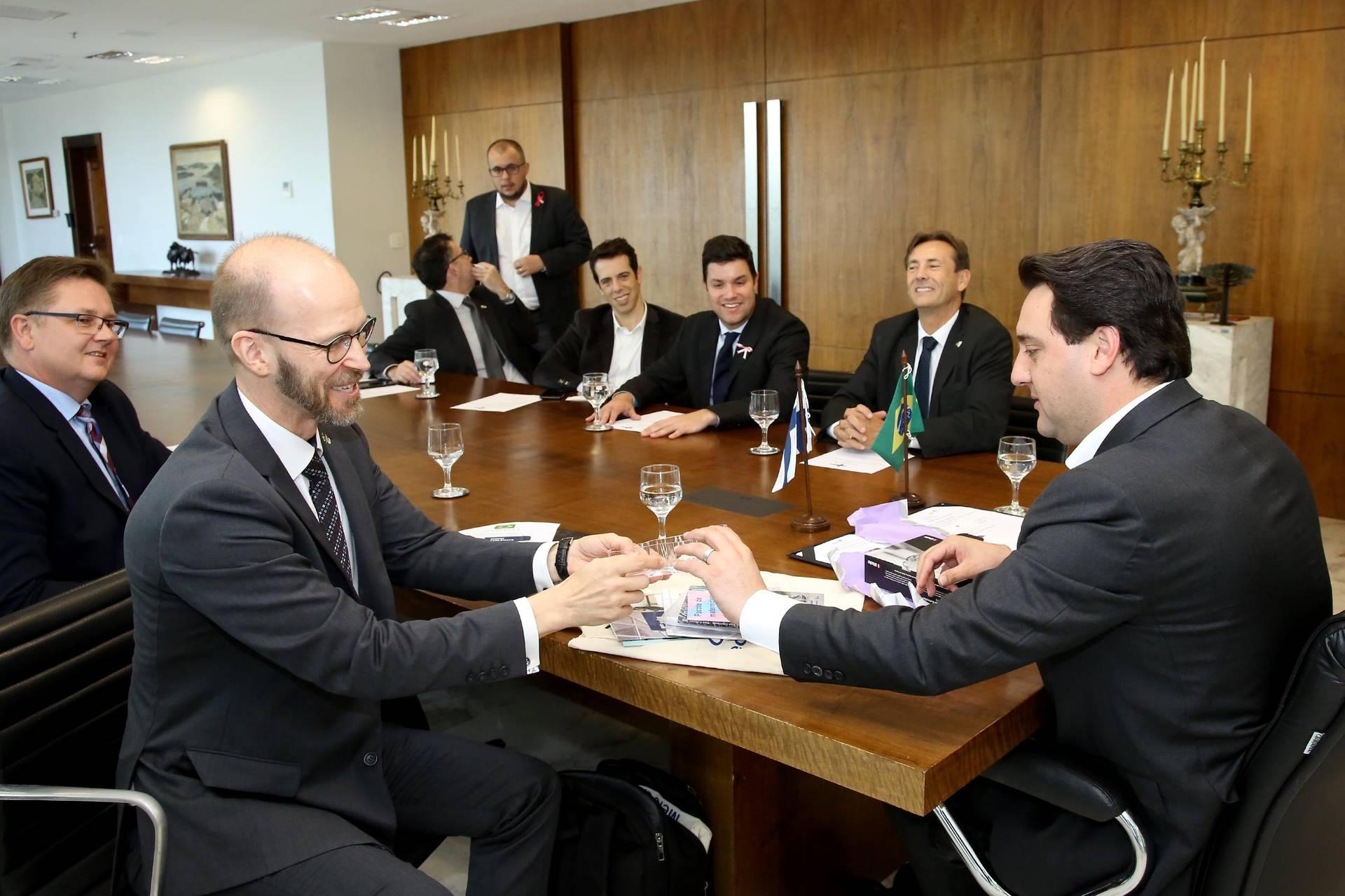 Em parceria com a Embaixada da Finlândia no Brasil, o Governo do Estado vai enviar a Helsinque comitiva com 40 professores da Rede Estadual de Ensino