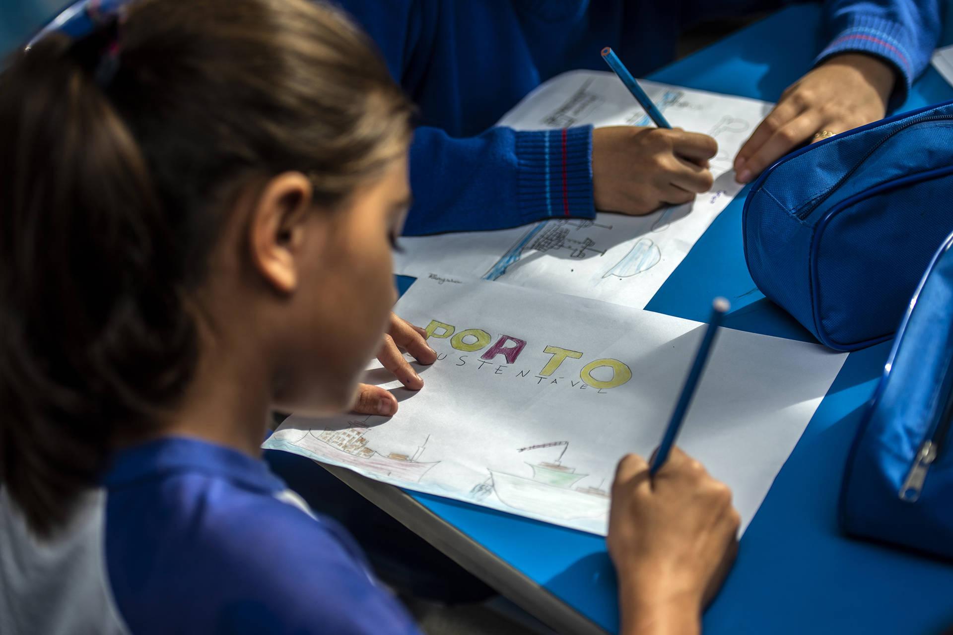 Ação integra as atividades do projeto Porto Escola, que tem como objetivo ensinar, de forma lúdica, a importância da atividade portuária para as economias local e nacional.