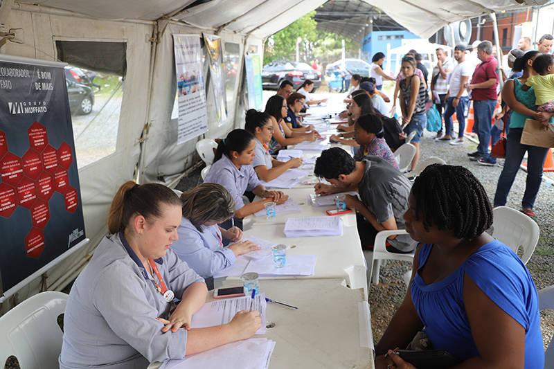 Evento promovido pelo Governo do Estado no bairro de Santa Felicidade, em Curitiba, Foram cerca de 4 mil pessoas atendidas no evento com diversos serviços.