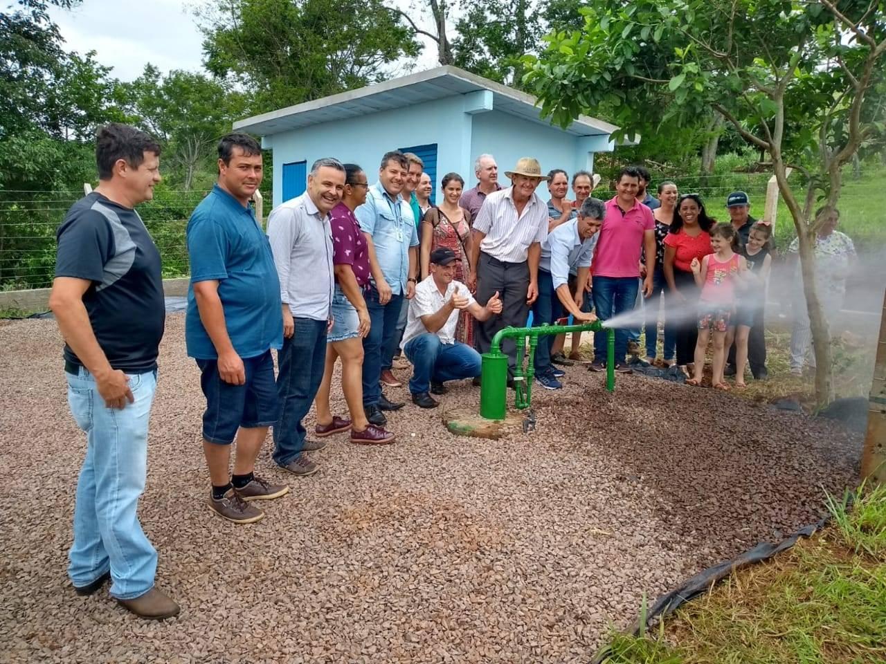 Sistema faz parte do Programa de Saneamento Rural do Governo do Estado, e envolve Sanepar, Emater e Instituto das Águas.