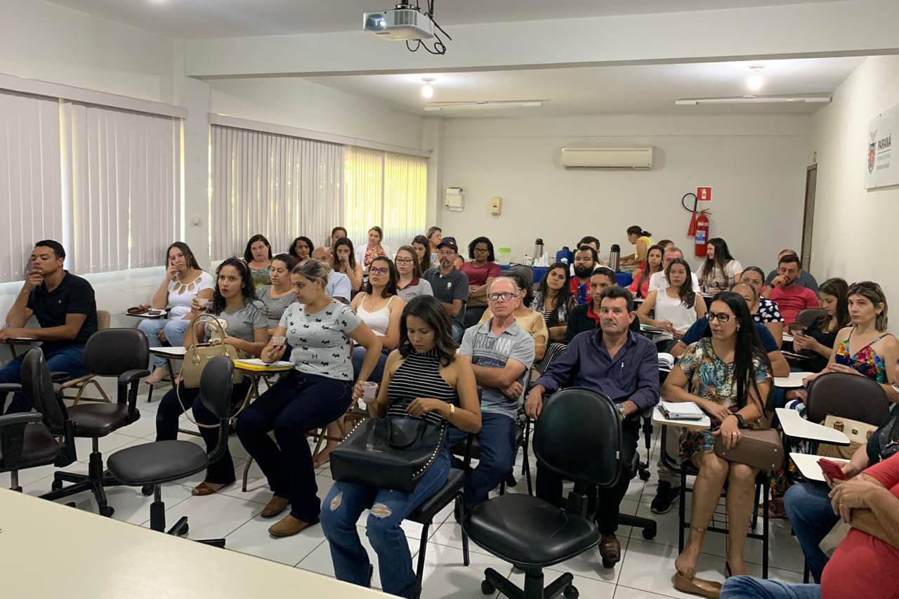 A Força-Tarefa Infância Segura reuniu cerca de 600 pessoas de 205 municípios em um curso, transmitido via webconferência, para a formação interdisciplinar de profissionais do Sistema de Garantia dos Direitos da Criança e do Adolescente do Paraná.