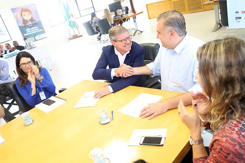 Iniciativa do Governo do Estado permitirá a construção de 303 moradias por meio do programa Nossa Gente, com recursos do Banco Interamericano de Desenvolvimento (BID).
