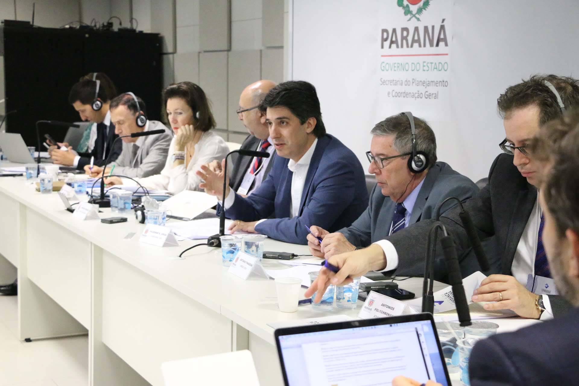 Especialistas de nove países participam do evento, em Curitiba. O encontro de dois dias antecede a Conferência Família e Inovação Social, que será realizada sexta-feira (29).