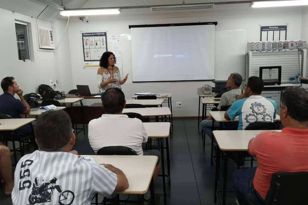 Curso, promovido em parceria com Agência do Trabalhador, Senai, Secretaria Municipal de Assistência Social e Sindicato dos trabalhadores da Construção Civil, capacita encanadores para o mercado de trabalho.