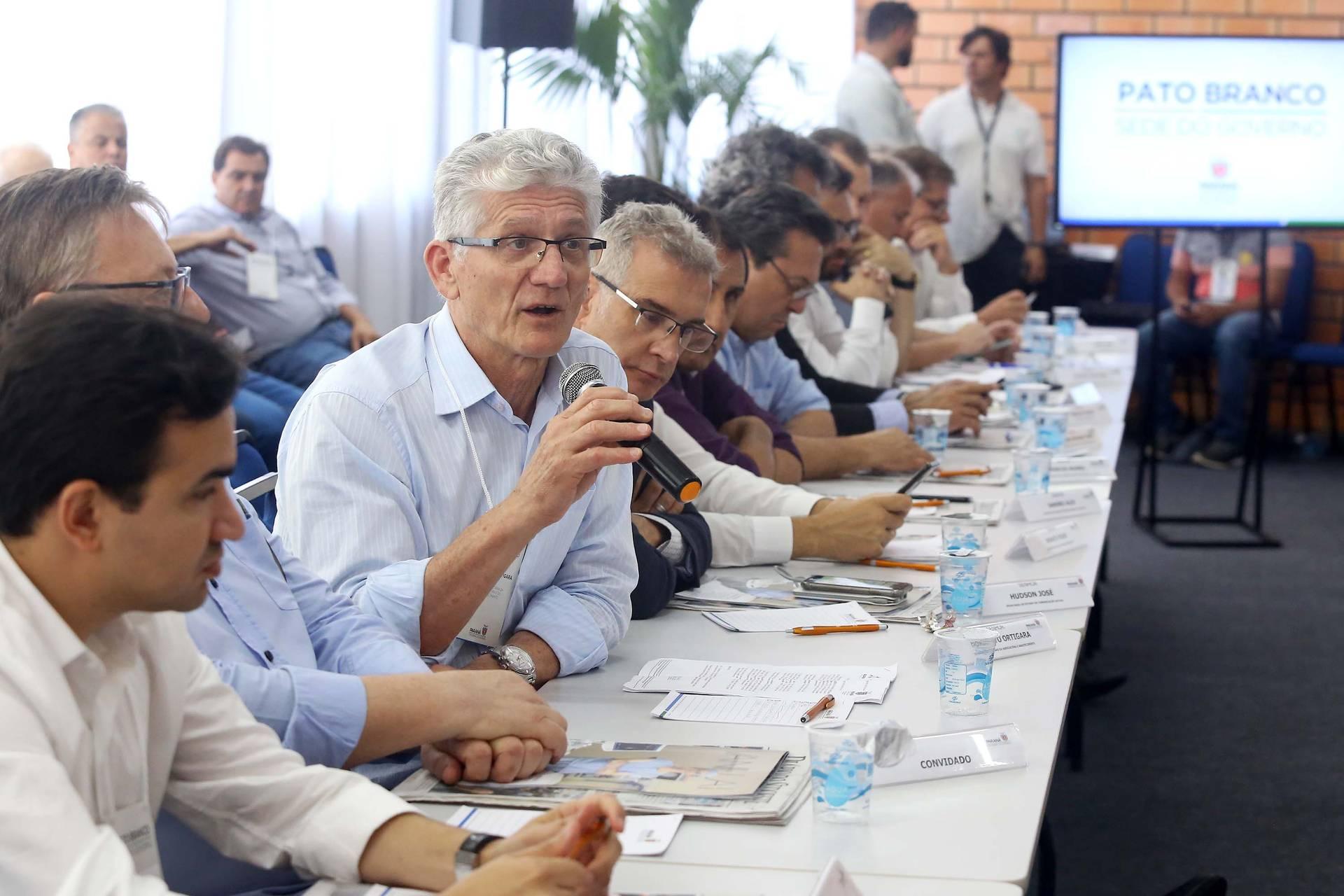 Portaria que estabelece o período de vazio sanitário para o controle da ferrugem asiática foi destacada pelo governador Ratinho Junior durante reunião do secretariado, em Pato Branco.