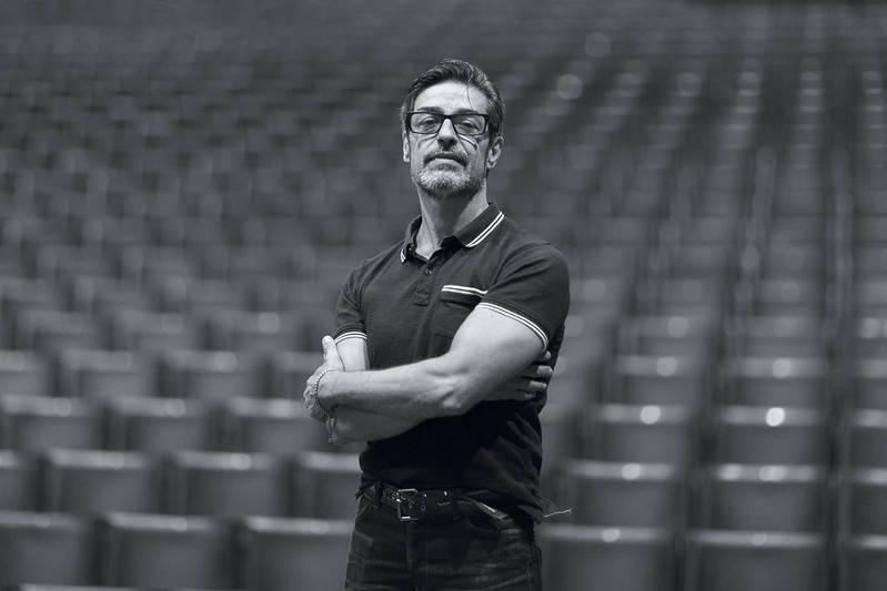 O diretor e coreógrafo Pedro Pires foi escolhido para iniciar um novo ciclo do BTG, com foco em ampliar o diálogo com o público e aproximar ainda mais os paranaenses do balé