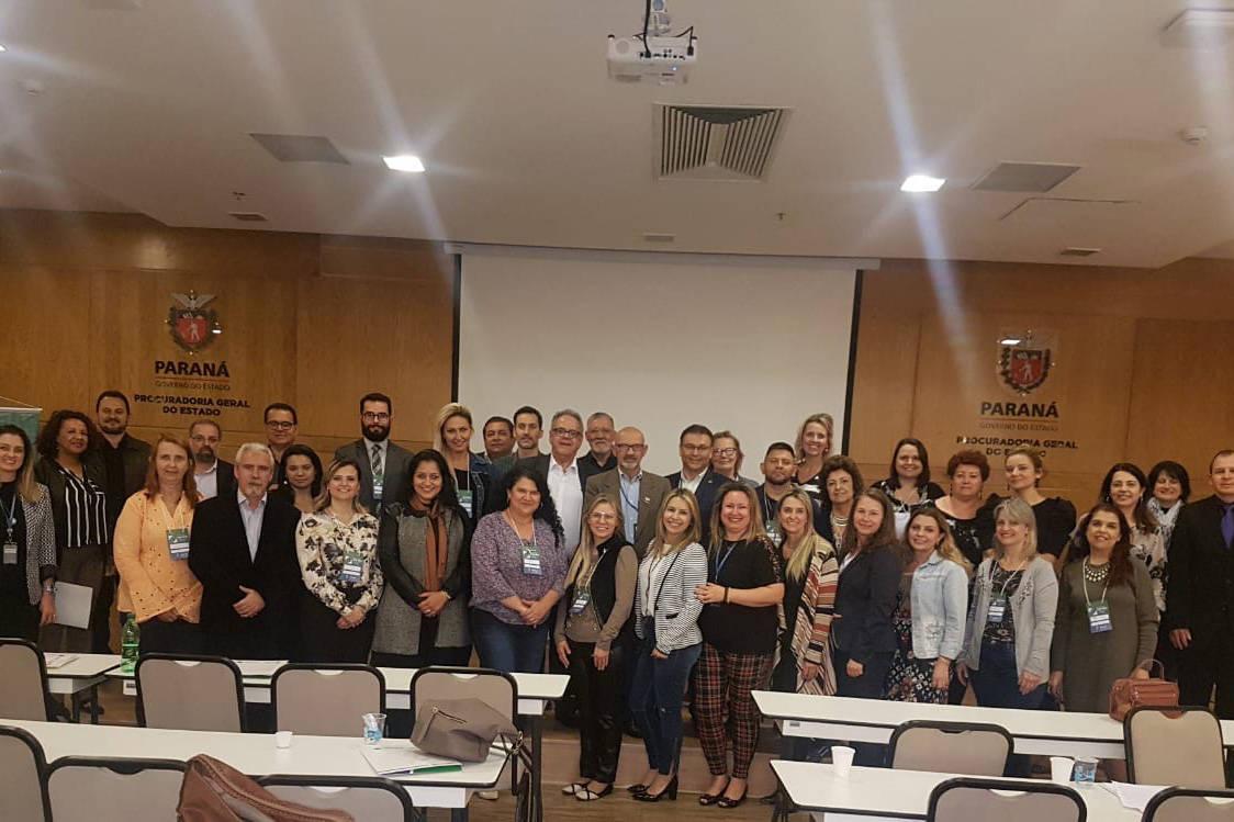 Capacitação da rede de Ouvidoria do Paraná promovida pela CGE permitiu que servidores se integrassem e debatessem melhores formas de atender a população.