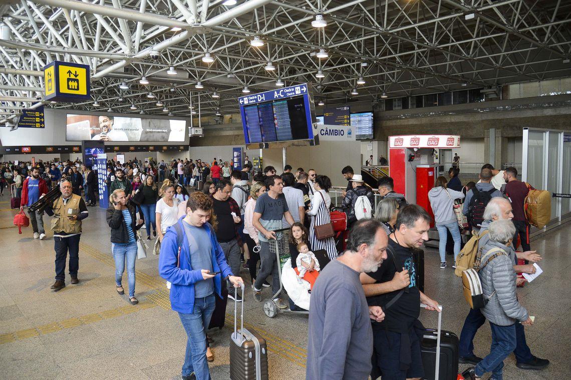 O número é 4,6% superior em relação ao fluxo registrado no mesmo feriado do ano passado, quando houve 1,34 milhão de viajantes.