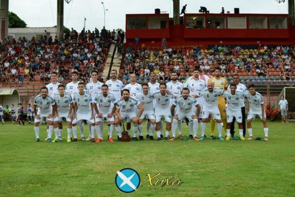 A partida de futebol beneficente reúne jogadores de clubes nacionais e internacionais, além de atletas de outras modalidades esportivas.