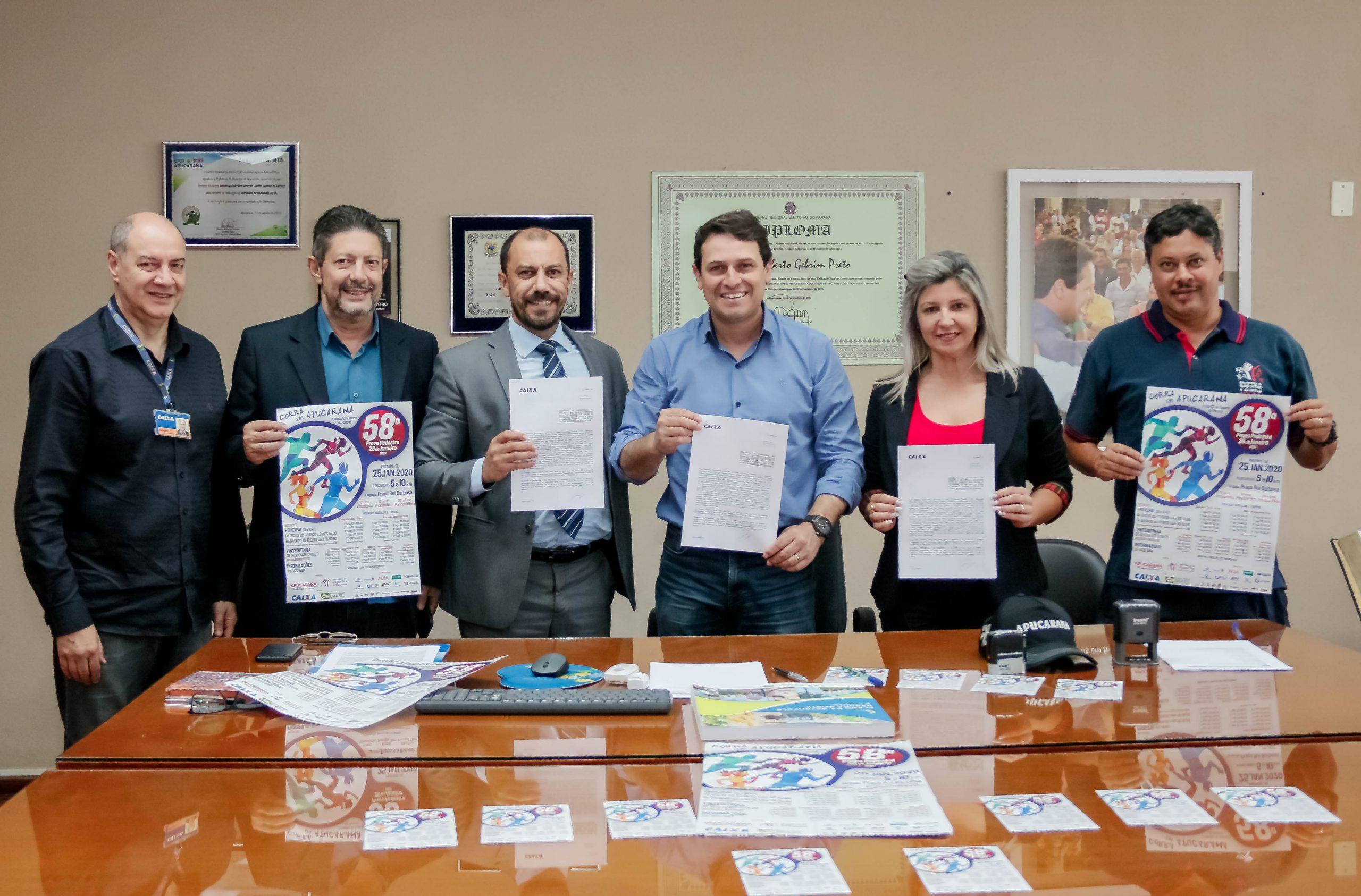 Uma realização da Secretaria de Esportes da Prefeitura de Apucarana, a prova pedestre foi idealizada para celebrar o aniversário da cidade e reúne anualmente mais de 3 mil atletas do Brasil e exterior