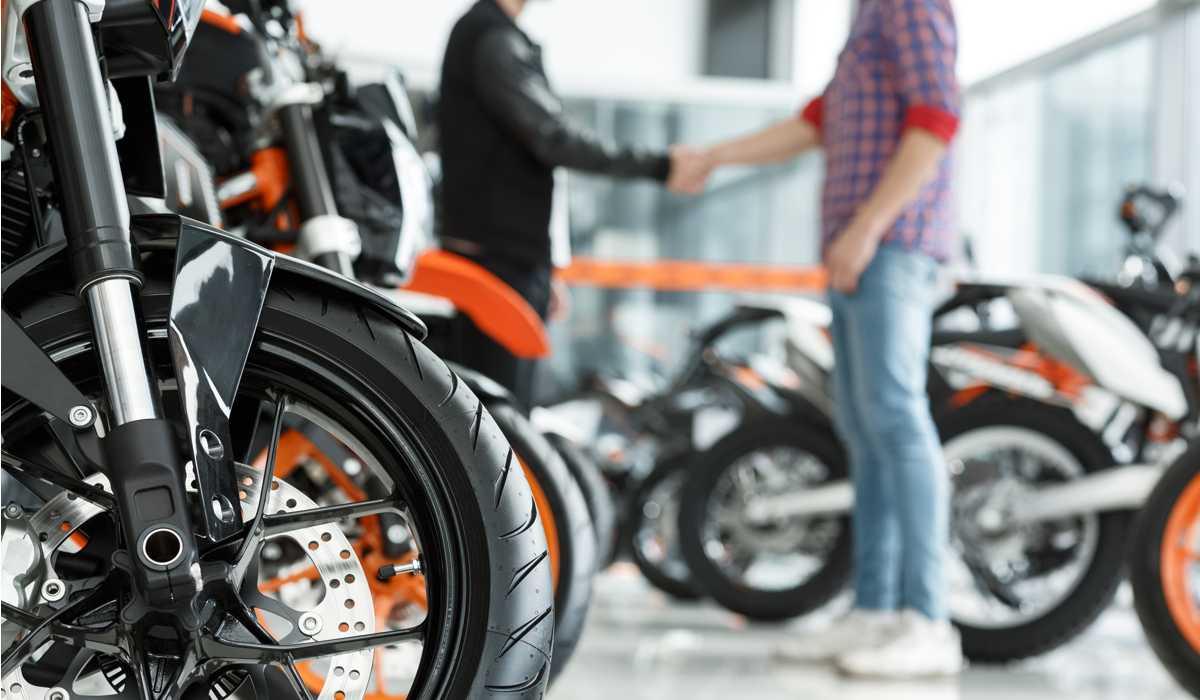 Produção de motocicletas fecha novembro em alta
