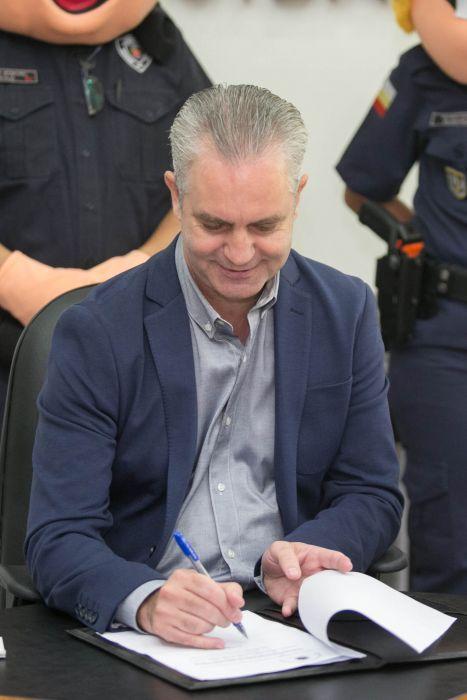 Nesta sexta, 6, o prefeito Ulisses Maia sancionou duas leis de melhorias à rede municipal de ensino.