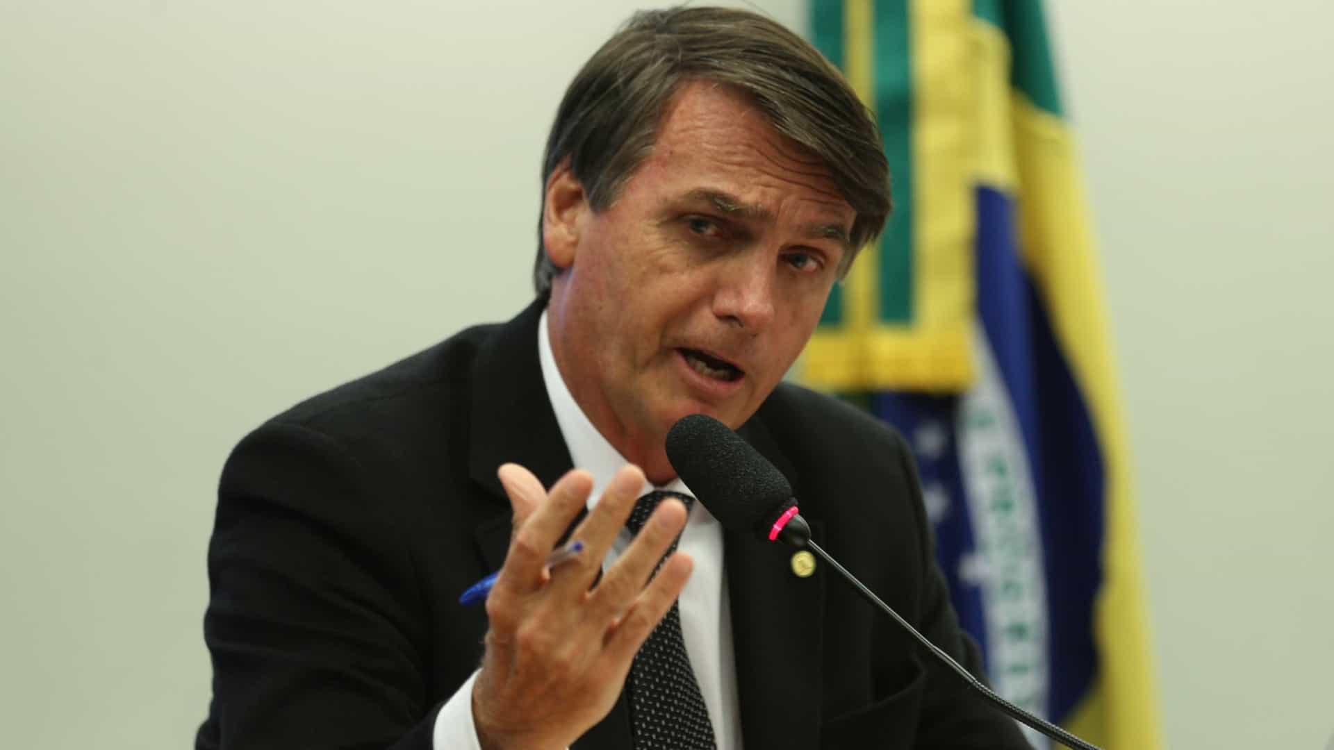 Bolsonaro disse acreditar que Lula já não tem mais popularidade, apesar do petista ser acompanhado e apoiado por milhares de pessoas