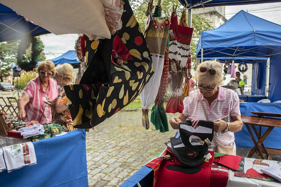 Depois de igrejas e do museu do município, um dos lugares mais procurados pelos turistas foi o Mercado Municipal. Eles andaram pelo Centro e conheceram a cultura local, além de lojas e restaurantes.