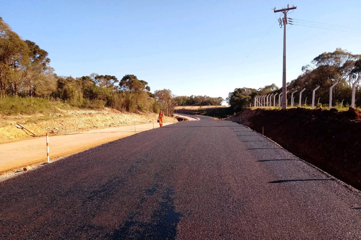 Atualmente quatro obras estão em andamento e outras onze devem começar já em 2020. Nos próximos três anos, mais de R$ 1,3 bilhão ainda serão aplicados em melhorias e construção de rodovias no Estado.