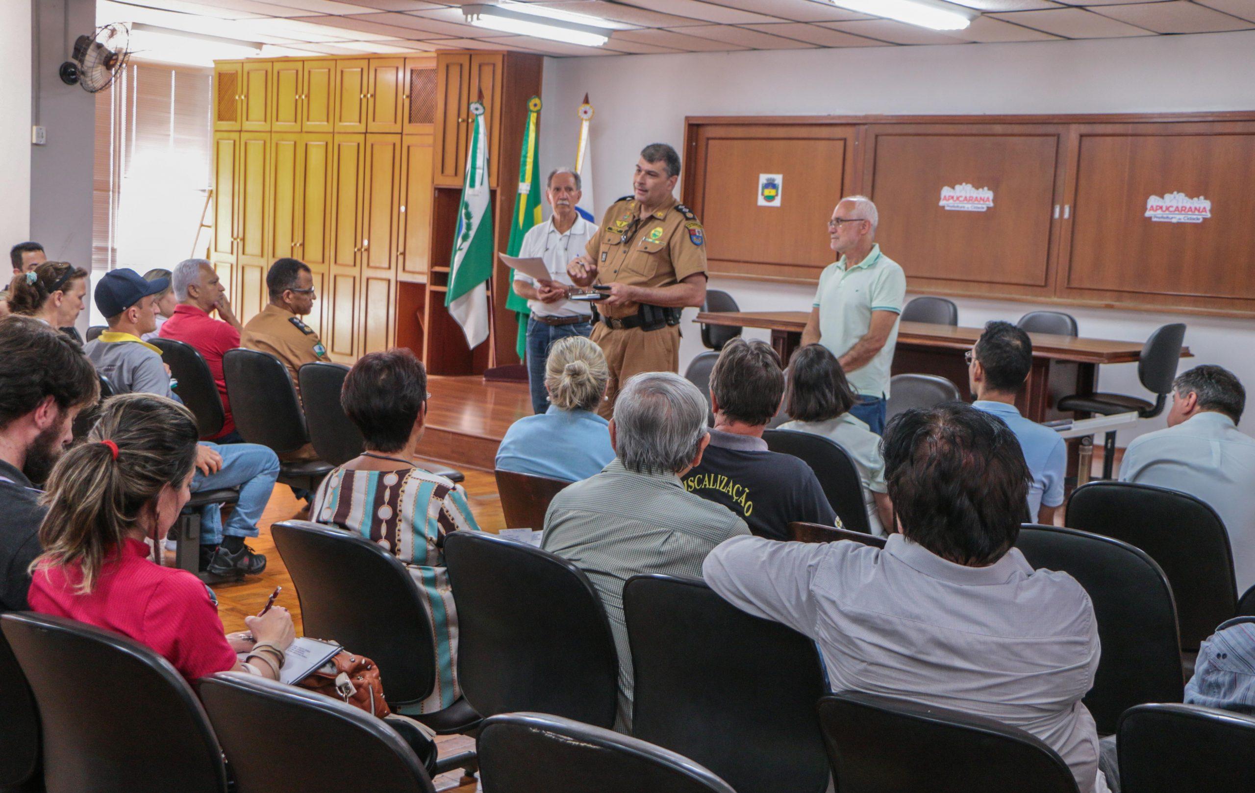 Realizada a pedido do prefeito Júnior da Femac, a reunião objetivou repassar dicas de segurança e detalhes da extensa programação