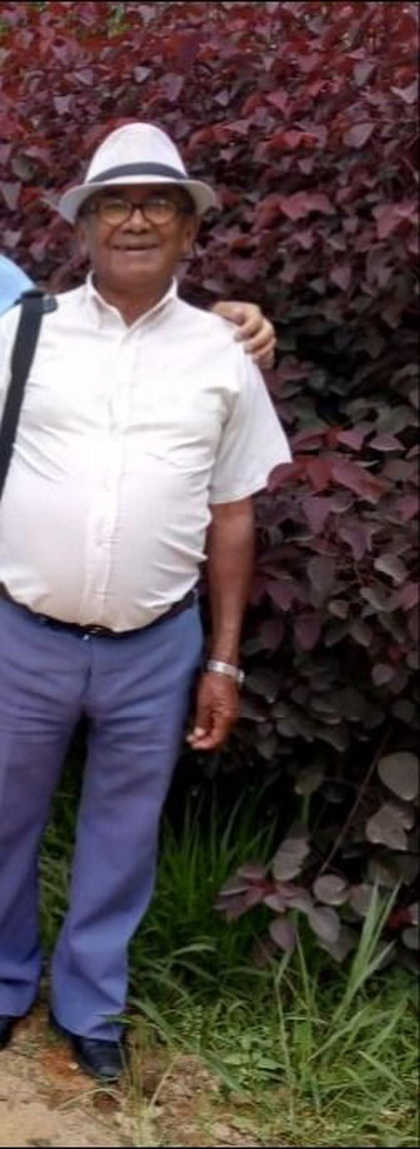 João Pedro Alcântara tem pele escura, vestia calça azul, camisa clara e boné cinza. Ele é morador de Jacareí/SP e veio até o Paraná visitar um irmão.
