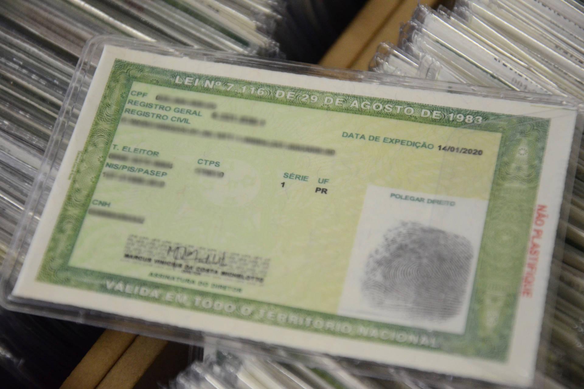 A Polícia Civil do Estado iniciou a emissão do documento, que possibilita a inclusão de diversos dados e oferece mais segurança contra a falsificação.