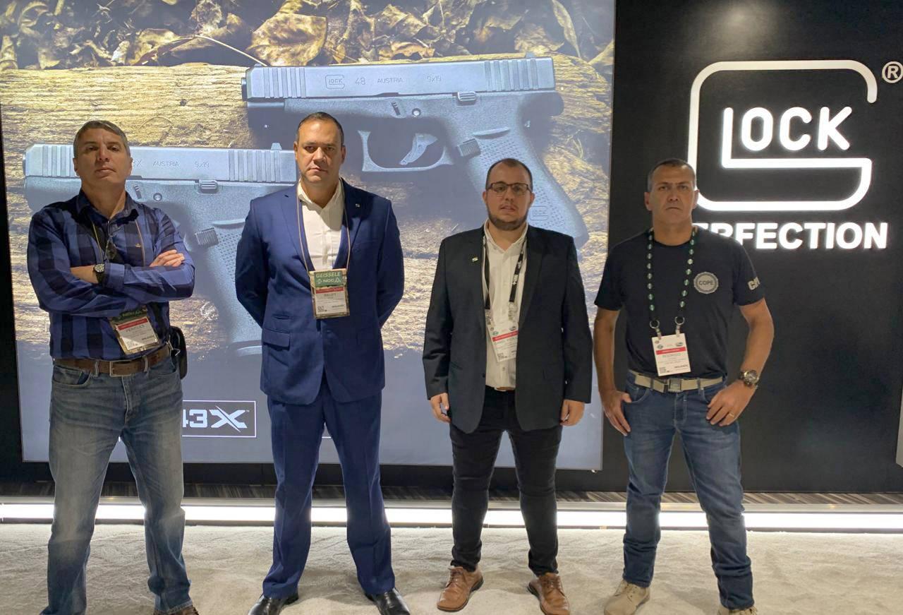 A 42ª edição do Shot Show acontece em Las Vegas e reúne mais de 1,6 mil empresas especializadas que apresentam o que há de mais moderno em termos de armamentos e tecnologias para a segurança pública.