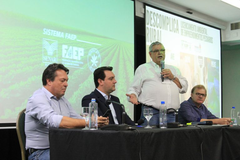 Carlos Massa Junior assinou, durante Assembleia Geral da Federação, um protocolo de intenções que lançou o Programa Descomplica Rural, que visa dar segurança jurídica aos empreendimentos no campo