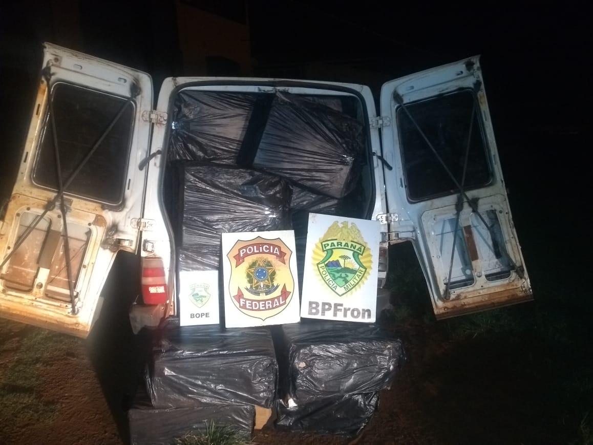 Na tentativa de abordagem, o motorista abandonou o veículo no Porto clandestino e fugiu pela mata ciliar fechada, não sendo localizado.