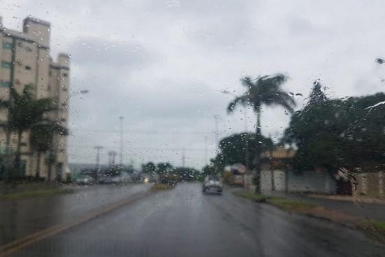 O único dia que não deve chover, segundo o Simepar, é nesta terça-feira (4).
