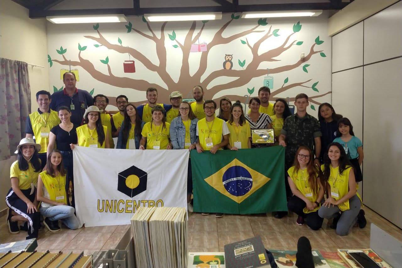 Atividades foram desenvolvidas durante duas semanas em 12 municípios do Oeste. Unicentro, UEPG e Uenp participaram com alun os e professores.