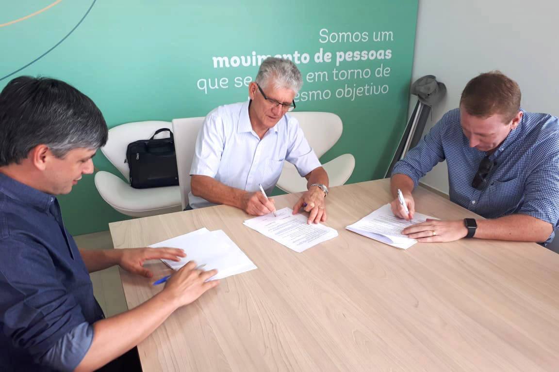 As Ceasas do Paraná abrirão as portas para que a federação instale postos de atendimento dos agricultores