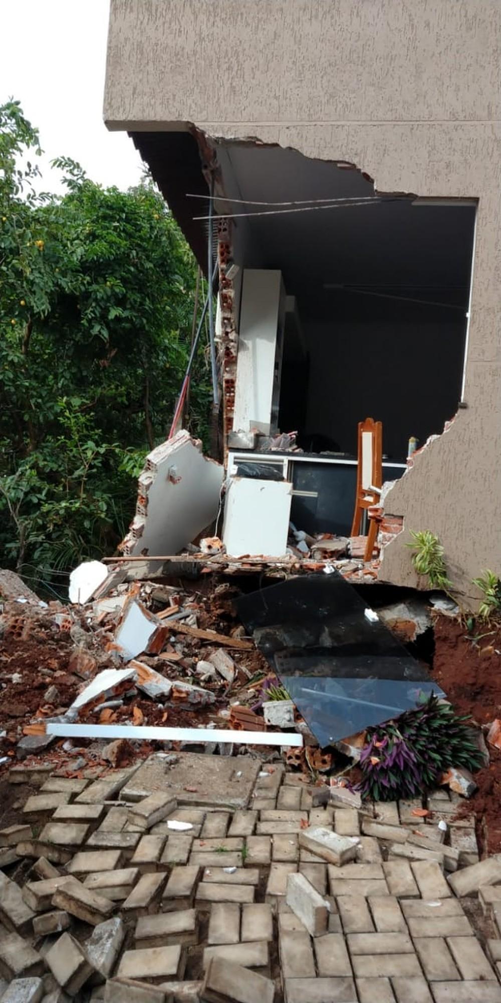 Acidente ocorreu na tarde desta sexta-feira (14), no oeste do Paraná - Foto: Paulo Sima