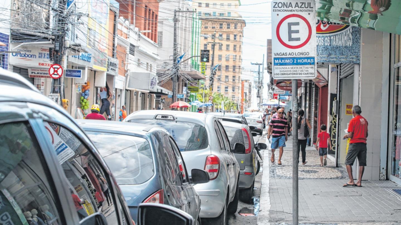 Trata da Responsabilidade da Administração Pública em indenizar por furtos, danos ou avarias que ocorram em veículos que se encontrem estacionados em áreas rotativas