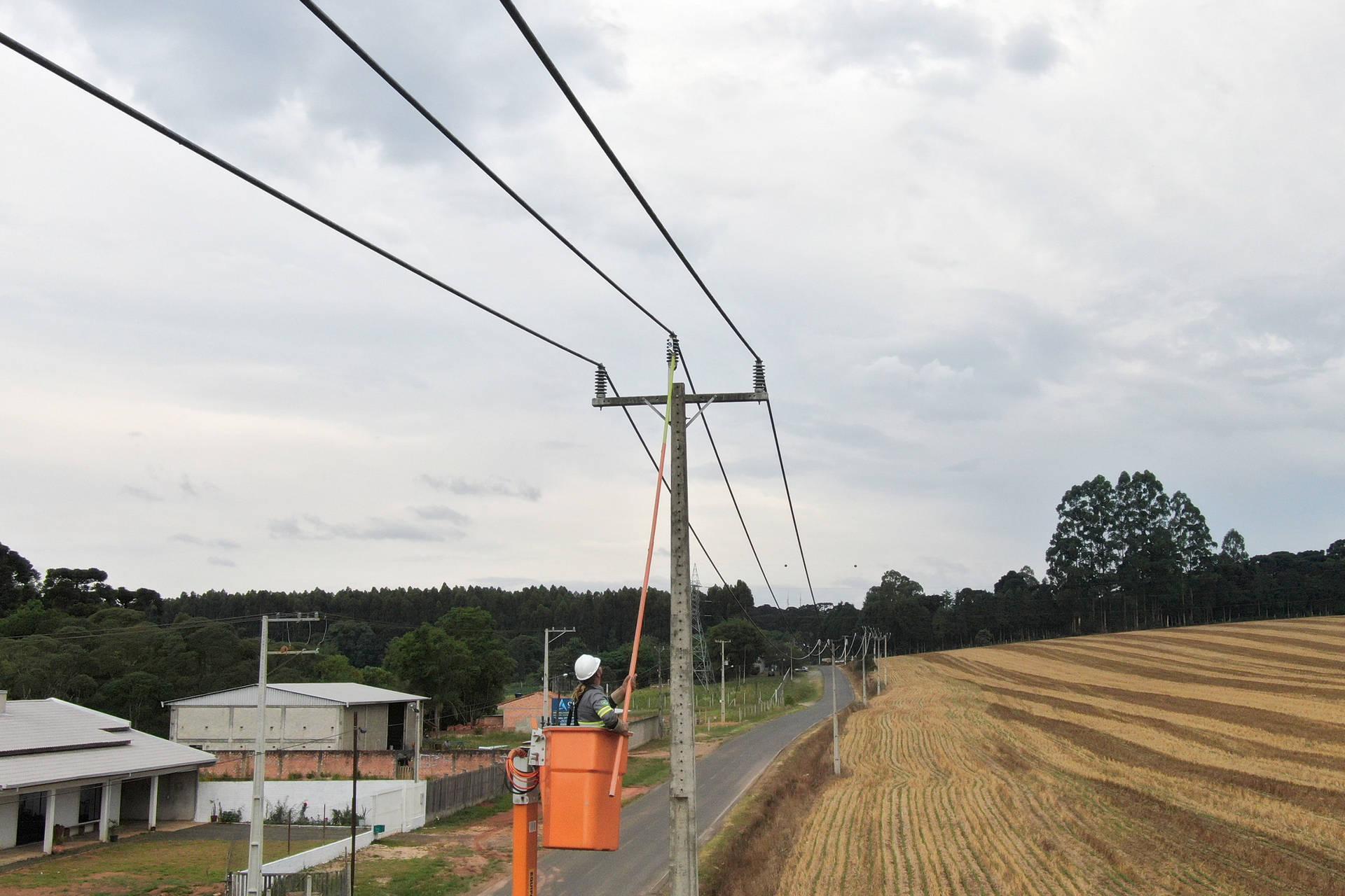 Essa a estrutura que a Copel mantém e opera para atender quase 4,8 milhões de ligações em sua área de concessão